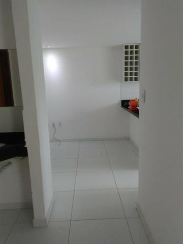 Amplo Apartamento 2/4 - Bairro Castália - Foto 2