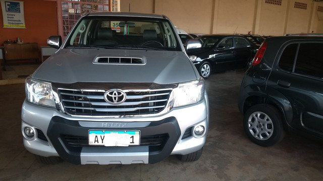 Hilux Srv 3.0 Turbo Diesel At 2014/14 - Foto 17