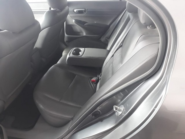 Honda Civic 1.8 LXS 16V GASOLINA 4P MANUAL - Foto 8