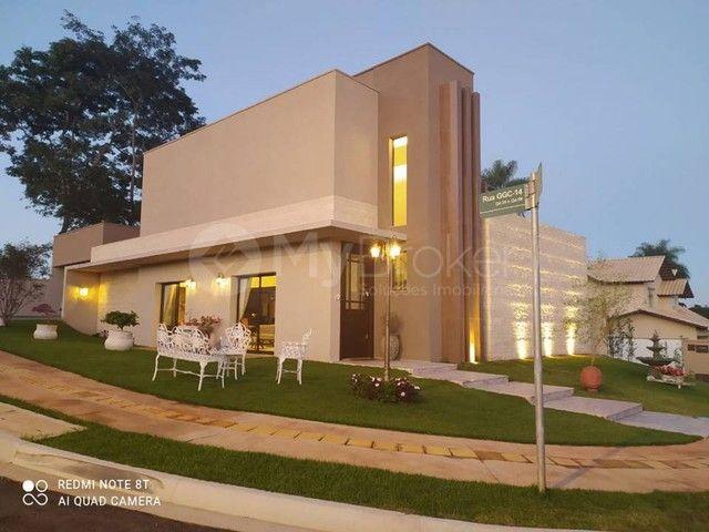 Casa sobrado em condomínio com 3 quartos no Residencial Goiânia Golfe Clube - Bairro Resid