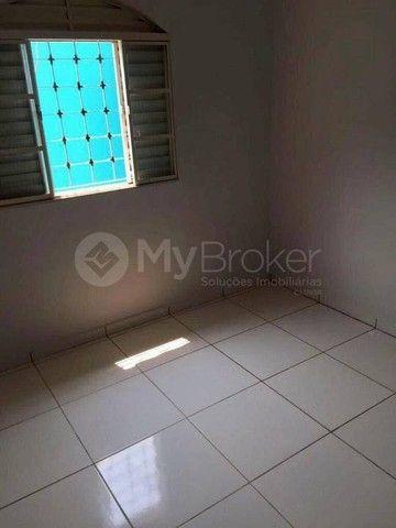 Casa  com 3 quartos - Bairro Jardim das Aroeiras em Goiânia - Foto 11
