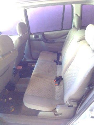 Vendo carro Zafira 7 lugares - Foto 4