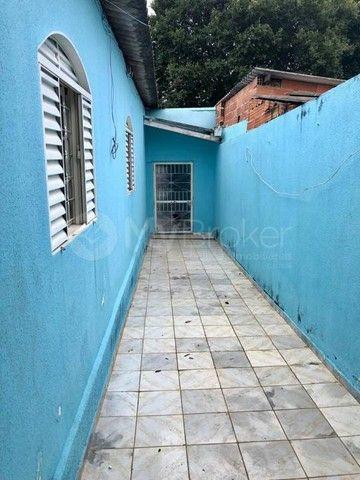 Casa  com 3 quartos - Bairro Jardim das Aroeiras em Goiânia - Foto 3