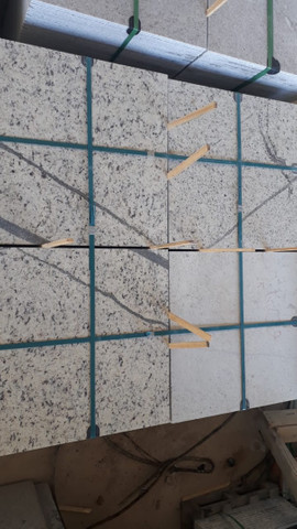 Oportunidade Granito Branco Dallas 55x55x2 - Foto 2