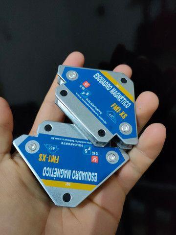 2 esquadro magnético 12kg cada para solda