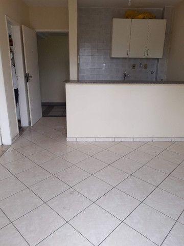 Apart. de quarto e sala , varanda, cozinha americana e Banheiro completo - Foto 2