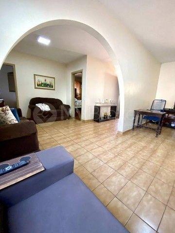 Casa  com 3 quartos - Bairro Conjunto Caiçara em Goiânia - Foto 2
