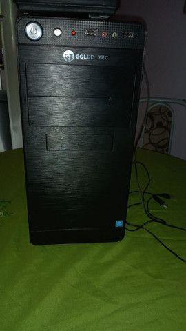 PC semi novo.