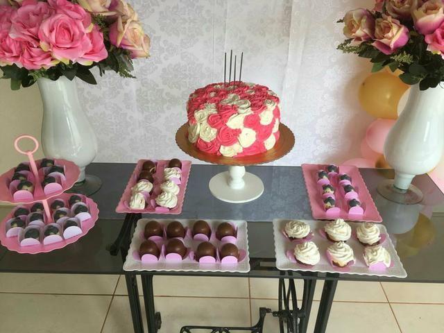Bolos - Cup Cakes e Doces personalizados.
