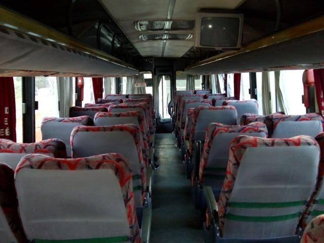 Ônibus rodoviário Comil 3.45 motor Mercedes O400 eletrônico ano 2000 46 lugares soft - Foto 9