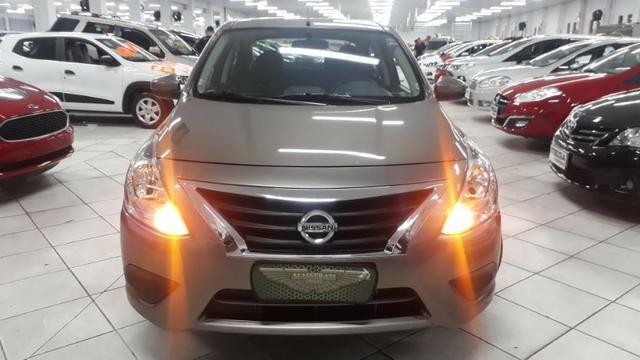 Nissan Versa 1.0 Conforto Espaço e Muita Economia, Financio Sem Entrada !!