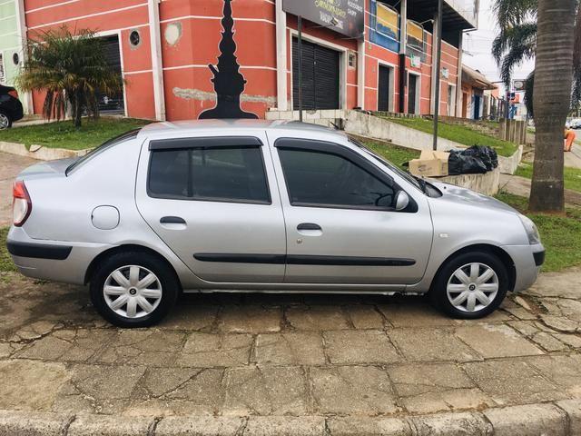 Clio Sedan Expression 1.6 - Foto 4