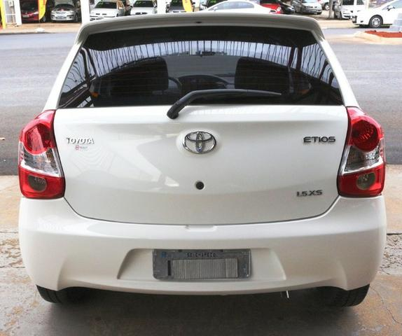 Toyota Etios Hatch XS 1.5 Flex 2017 - Foto 2