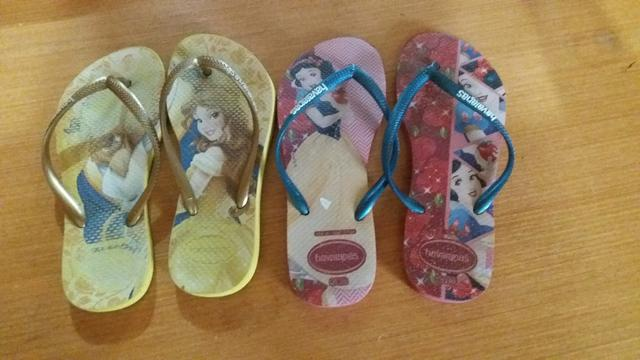 Desapego chinelos de menina - Foto 2