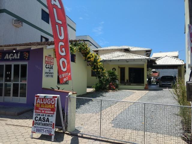 Casa e apartamento 50 mts da (Praia Enseada) c/ar e internet - Foto 11