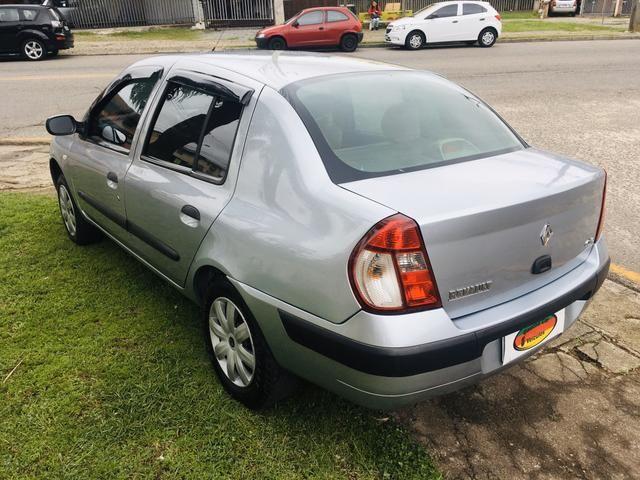 Clio Sedan Expression 1.6 - Foto 7