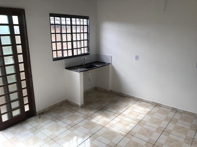 Alugo Casa 1 quarto - Nova Colina - 550,00 com garagem !! - Foto 6