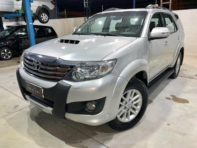 Toyota Hilux SW4 7 lugares 13/13 - Foto 9