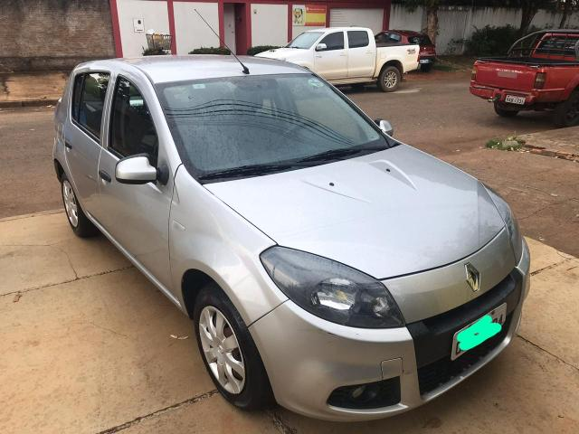 Vendo Renault Sandero 2014 - Foto 4