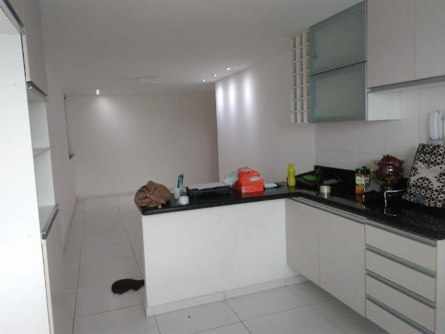 Amplo Apartamento 2/4 - Bairro Castália