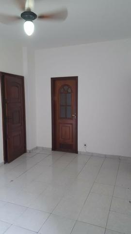Aluguel Apartamento Glória, sala, quarto, banheiro, cozinha e garagem