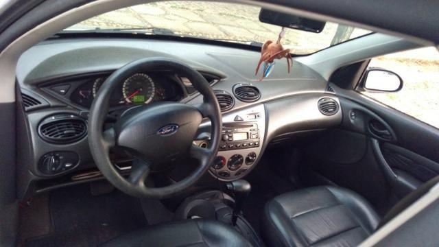 Ford Focus 2.0 Automático 2005 (Completo) - Foto 9
