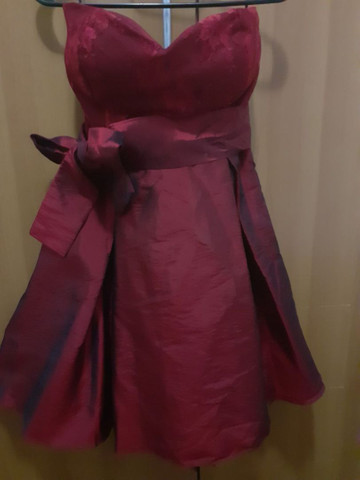 Vestido de festa rodado com tule preto por baixo (Novo)