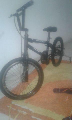 Vendo bicicleta tanto infantil como para manobras - Foto 2