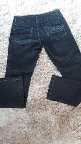 Calça jeans maravilhosa de marca usada 2 vezes super nova número 38 - Foto 6