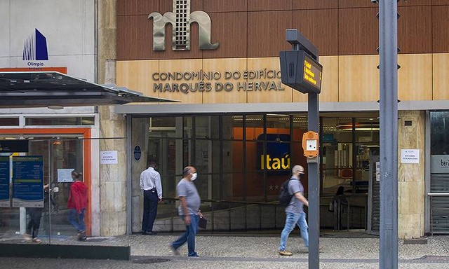 Edifício Marquês do Herval, sala dividida, no Centro do Rio de Janeiro