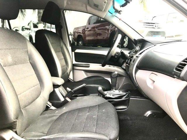 Mitsubishi Pajero DAKAR 3.2 4X4 T.I. Dies. 5P Aut. - Foto 7