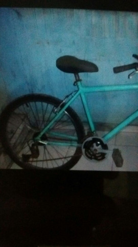 Vendo bike  o preço 250 semi nova - Foto 3
