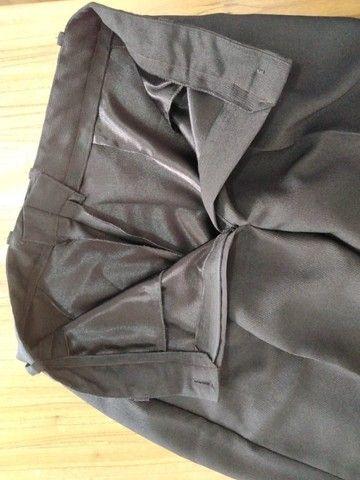 Calça feminina preta em crepe - Foto 3
