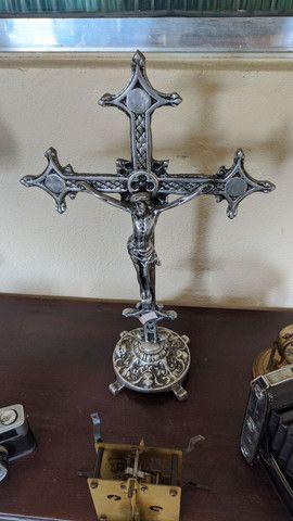 Lindo crucifixo com detalhes em anjos