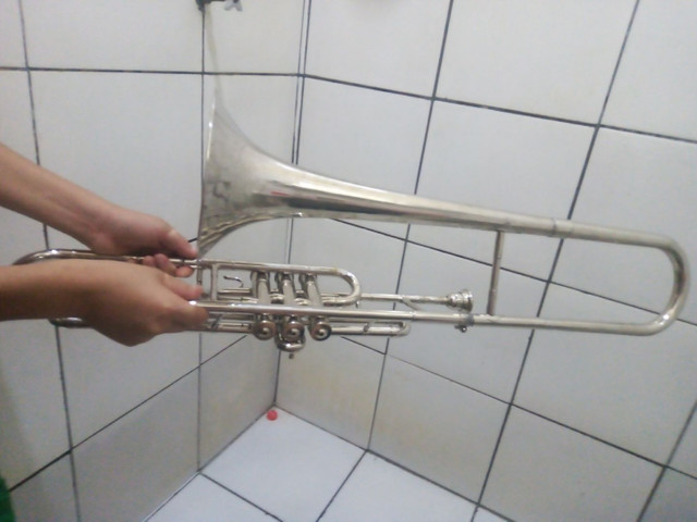 Instrumento trombone - Foto 2
