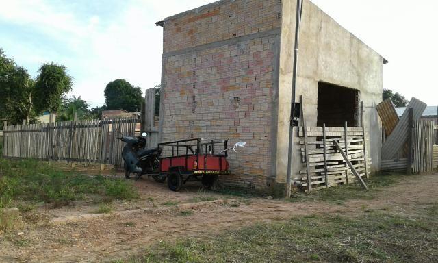 Casa ou ponto comercial em fase de acabamento