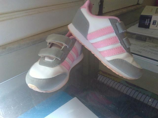 Tênis Adidas infantil