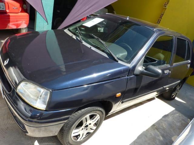 RENAULT CLIO 1.0 RN  1997