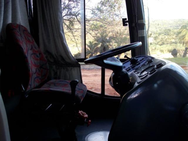 Ônibus rodoviário Comil 3.45 motor Mercedes O400 eletrônico ano 2000 46 lugares soft - Foto 11