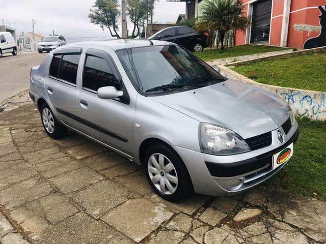 Clio Sedan Expression 1.6 - Foto 6