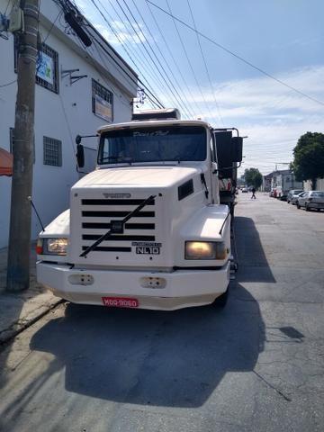 Volvo nl10 340 com carreta graneleira filé de mecânica aceito troca por Truck - Foto 5