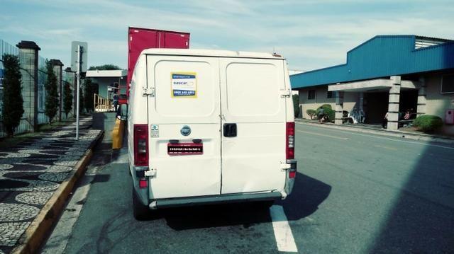 Vende-se Van refrigerada com serviço - Foto 3