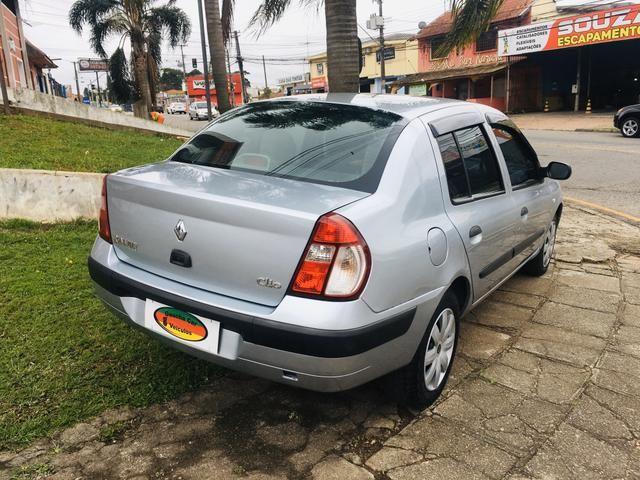 Clio Sedan Expression 1.6 - Foto 8