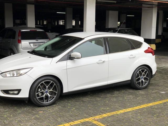 Ford Focus Hatch titanium 2.0 automático 2016/2016