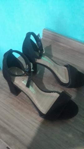 Sandália linda e nova, usada apenas uma vez - Foto 2
