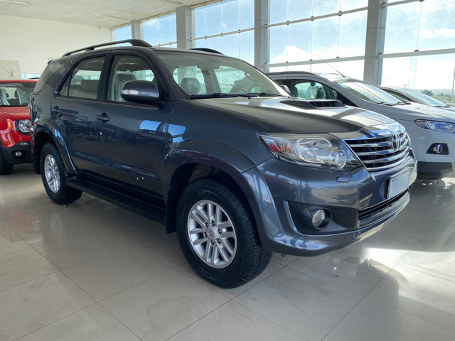 Hilux sw4 7 lugares - Foto 2