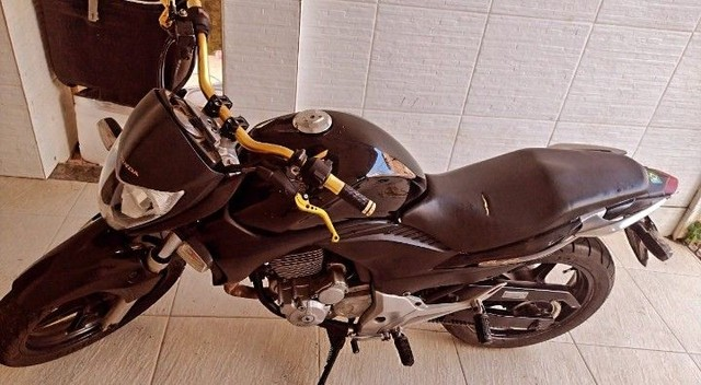 Honda CB 300 - Foto 2