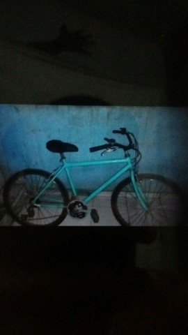 Vendo bike  o preço 250 semi nova - Foto 2