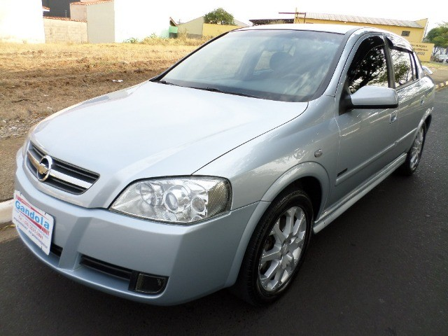 Astra Hatch Advantage 2.0 Flex 140cv 2011  - Foto 3