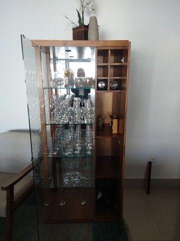 Cristaleira com adega de vinhos - Foto 4